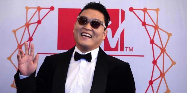 Psy Minta Maaf Pernah Ikut Protes Anti-Amerika