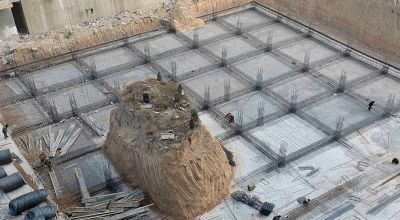 Makam yang hadang pembangunan gedung (Foto: The Sun)